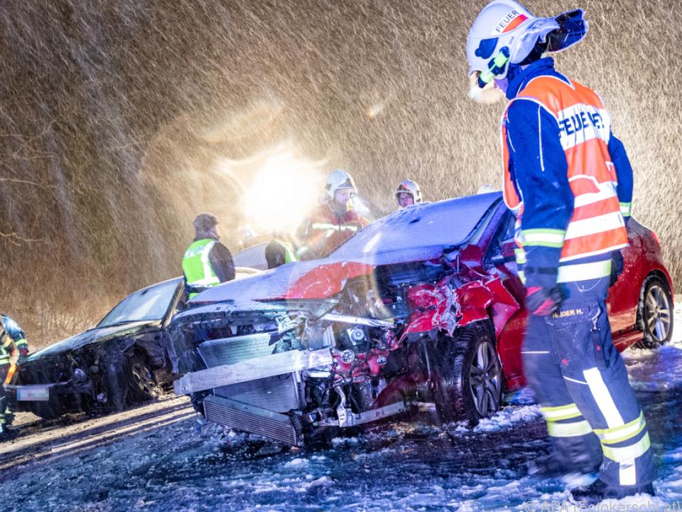 Ein Unfall in Plesching forderte vier Verletzte