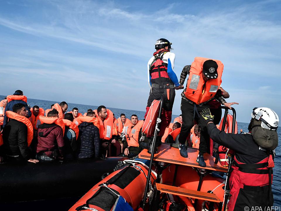 Flüchtlingsrat kritisiert Kriminalisierung von Seenotrettern