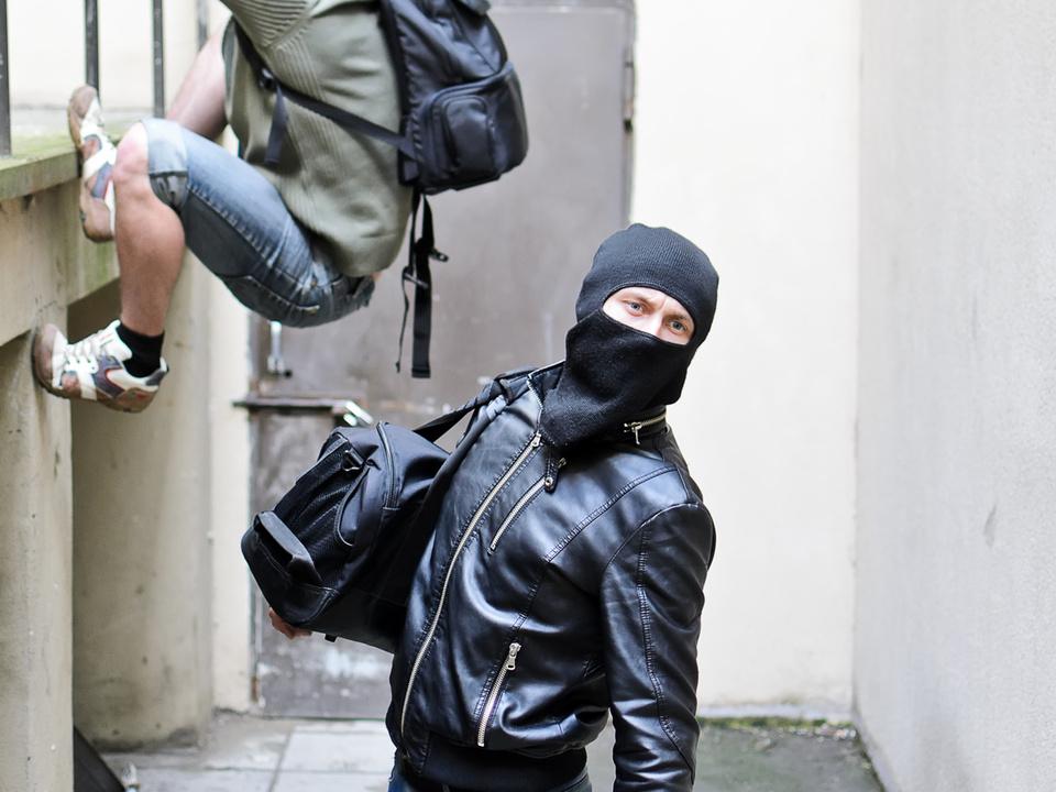 einbruch einbrecher klettern