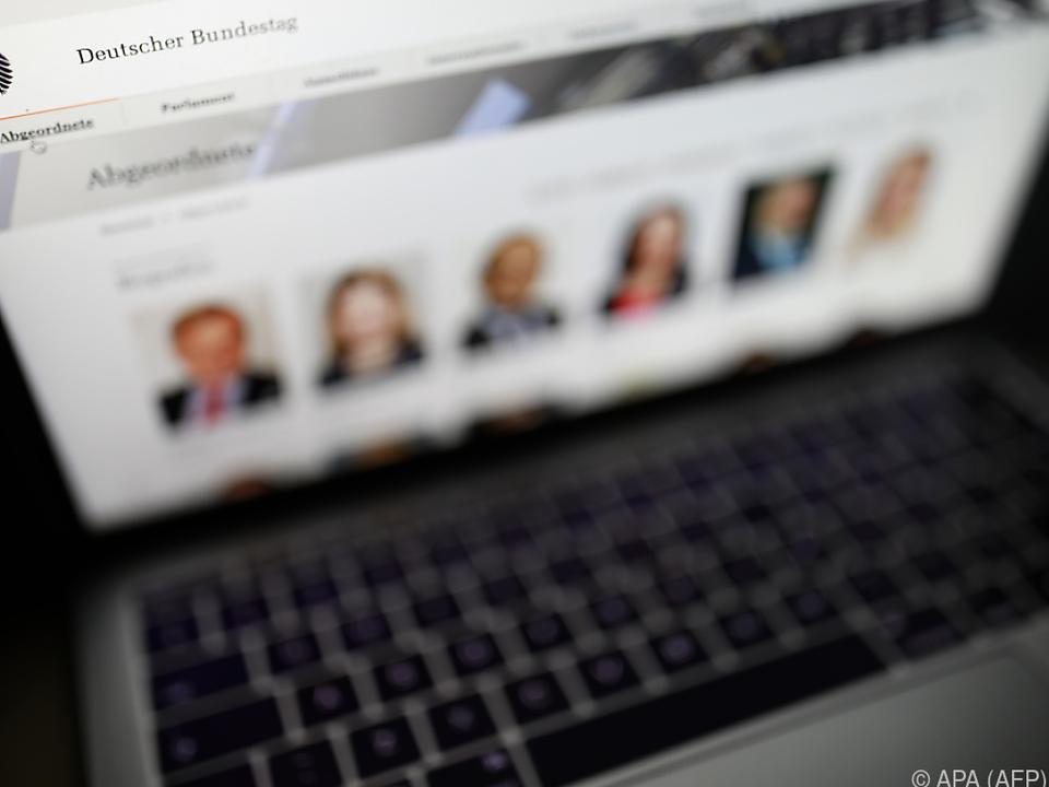 Hunderte Politiker sind von dem Datendiebstahl betroffen