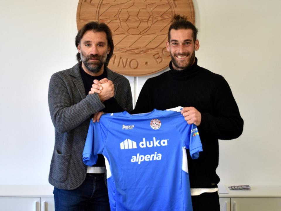 Il D.S. Paolo Bravo con il nuovo portiere biancorosso Michele Nardi