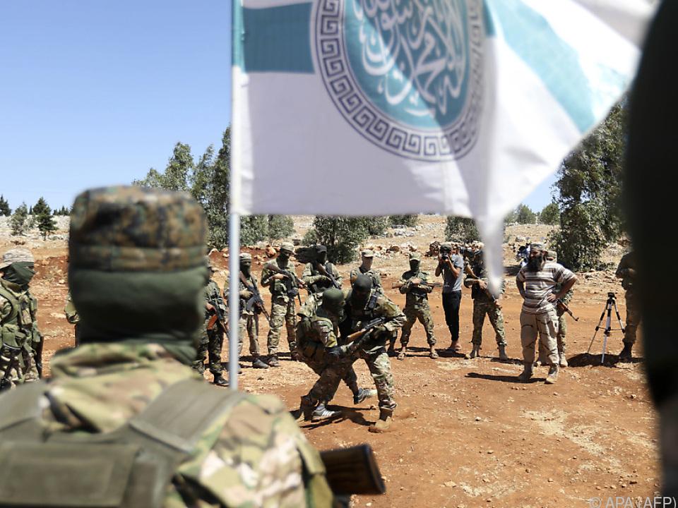 Jihadistenbündnis Hayat Tahrir al-Sham schloss Waffenruhe-Abkommen