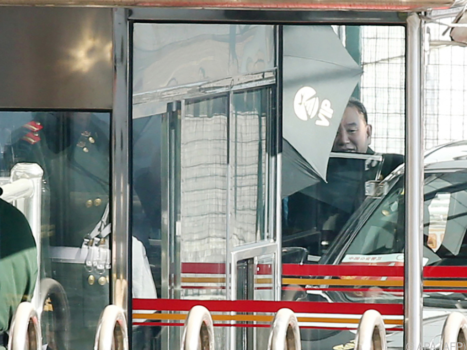 Kim Yong-chol mit Zwischenstopp in Peking
