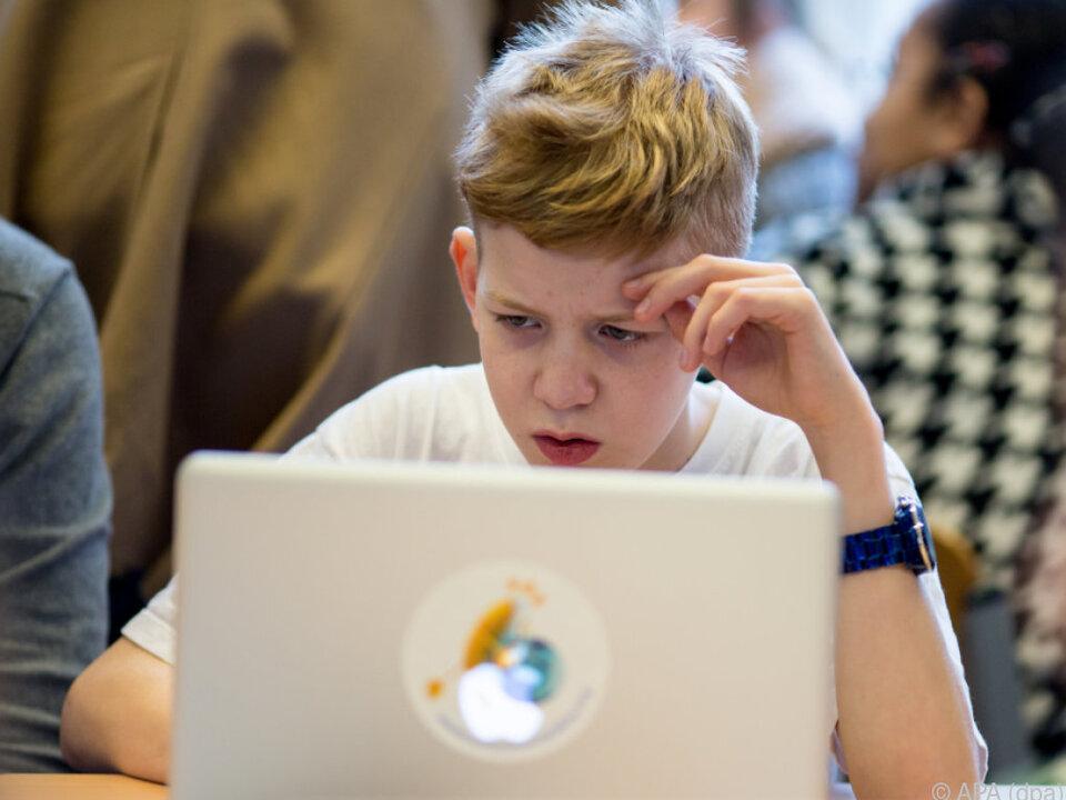 Kinder sollten nicht unbegleitet ins Internet