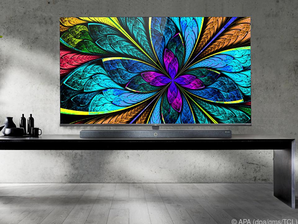 TCL zeigt auf der CES seinen neuen 8K-Fernseher X10