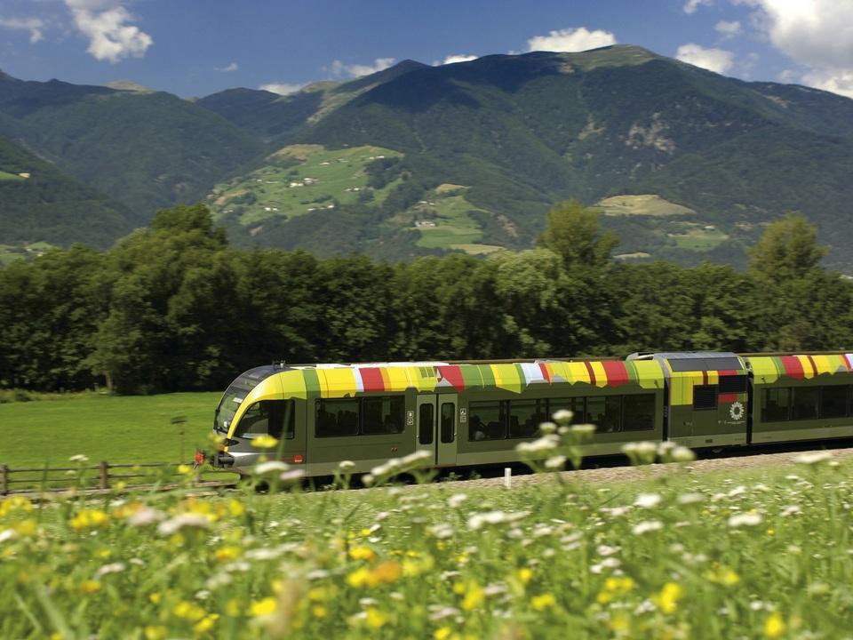 Regionalzug_Südtirol(c)IDM_Helmuth.Rier