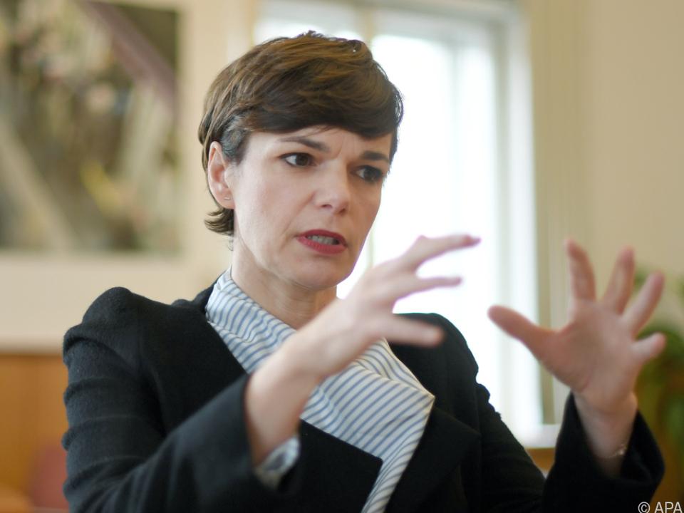 Rendi-Wagner traut Regierung keine gerechte Steuerreform zu
