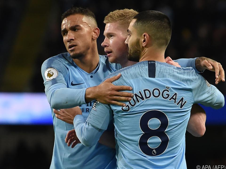 Star-Ensemble von Manchester City bleibt an Liverpool dran