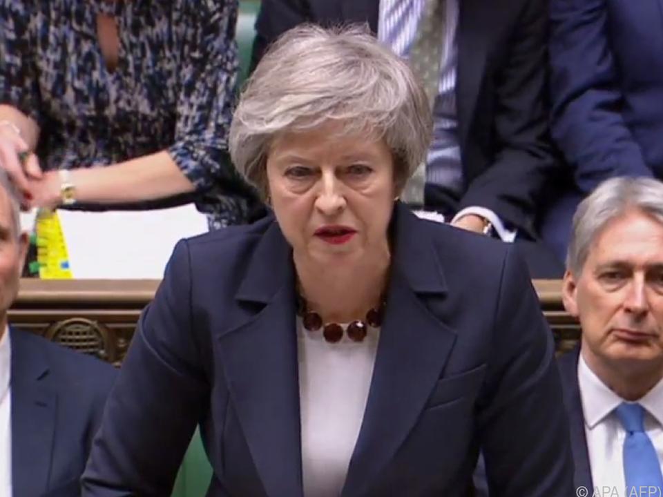 Theresa May muss bei Abstimmungsniederlage Plan B vorlegen