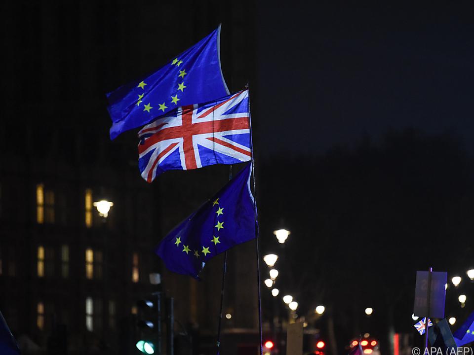 Vernichtende Niederlage für Theresa Mays Brexit-Deal
