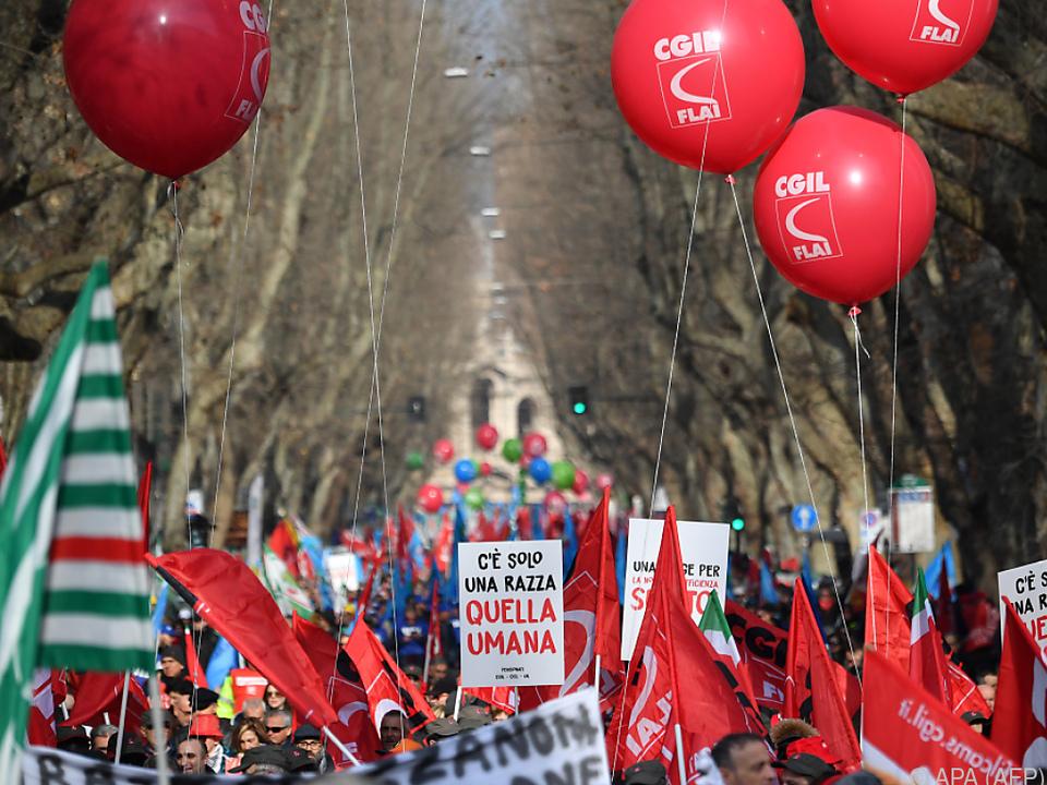 200.000 protestierten gegen die Regierung