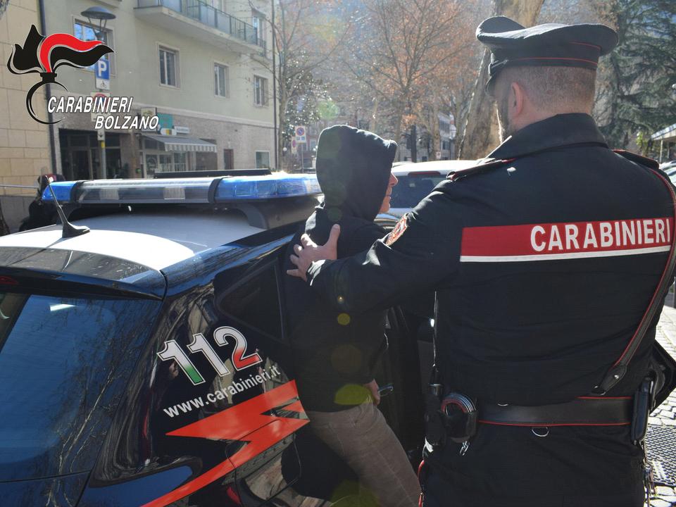 Carabinieri Bozen Festnahme 20190223_arresto_pattuaglia_dei_carabinieri_di_bolzano