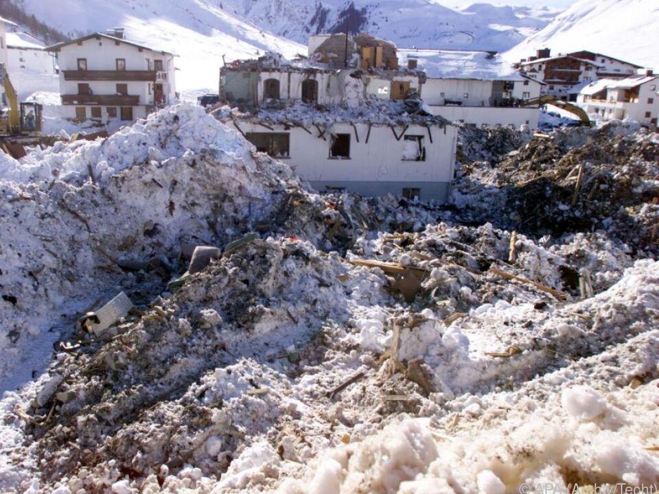 31 Menschen starben durch Lawine in Galtür