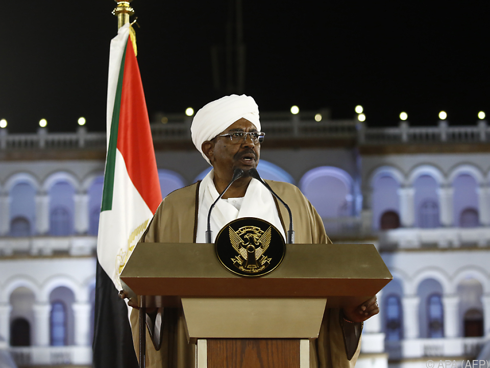 Al-Bashir löste nationale Regierung auf