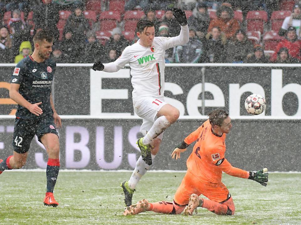 Augsburg siegte im Schneetreiben mit 3:0