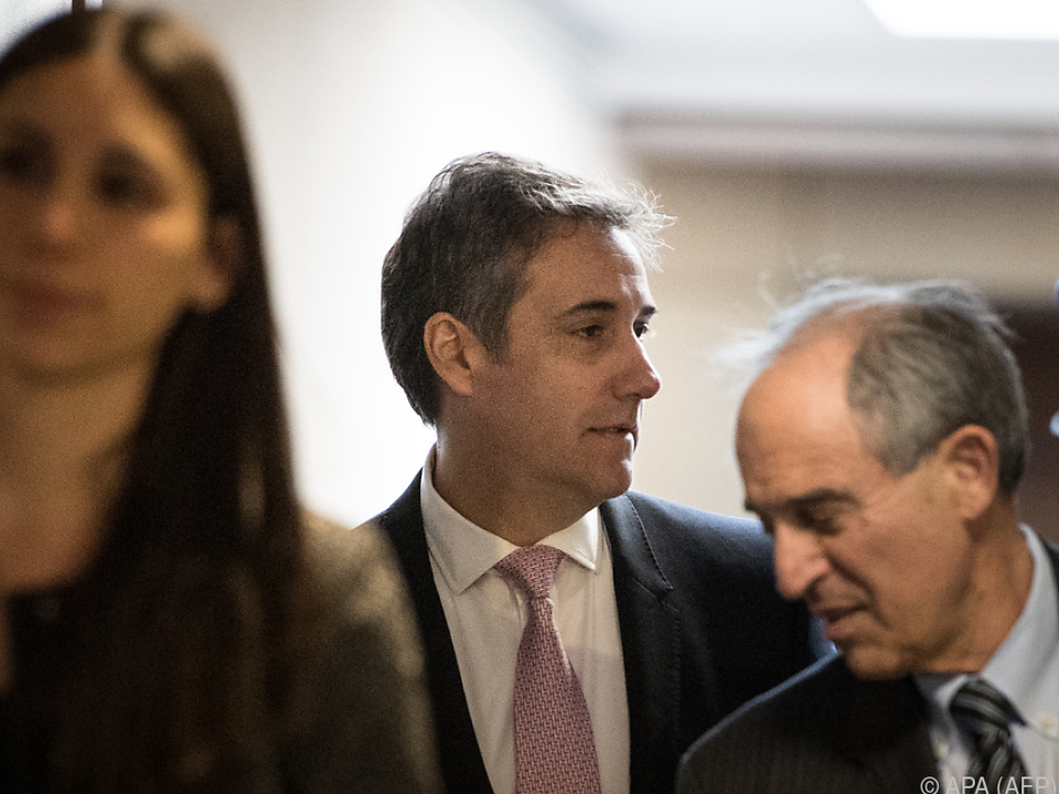 Cohen wird laut Anwalt Lanny Davis (rechts) \