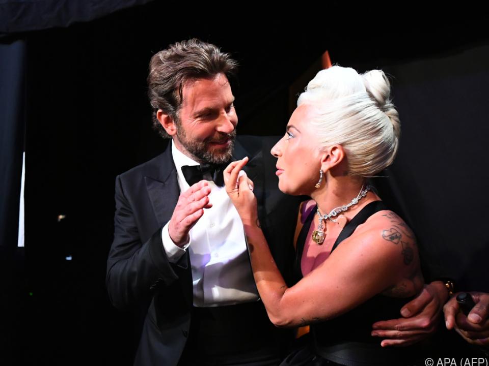 Cooper und Lady Gaga performten überzeugend