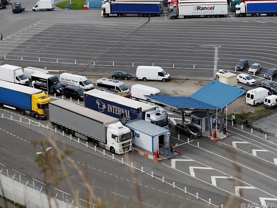 Der Lkw-Warenverkehr soll vorerst weitgehend unverändert bleiben