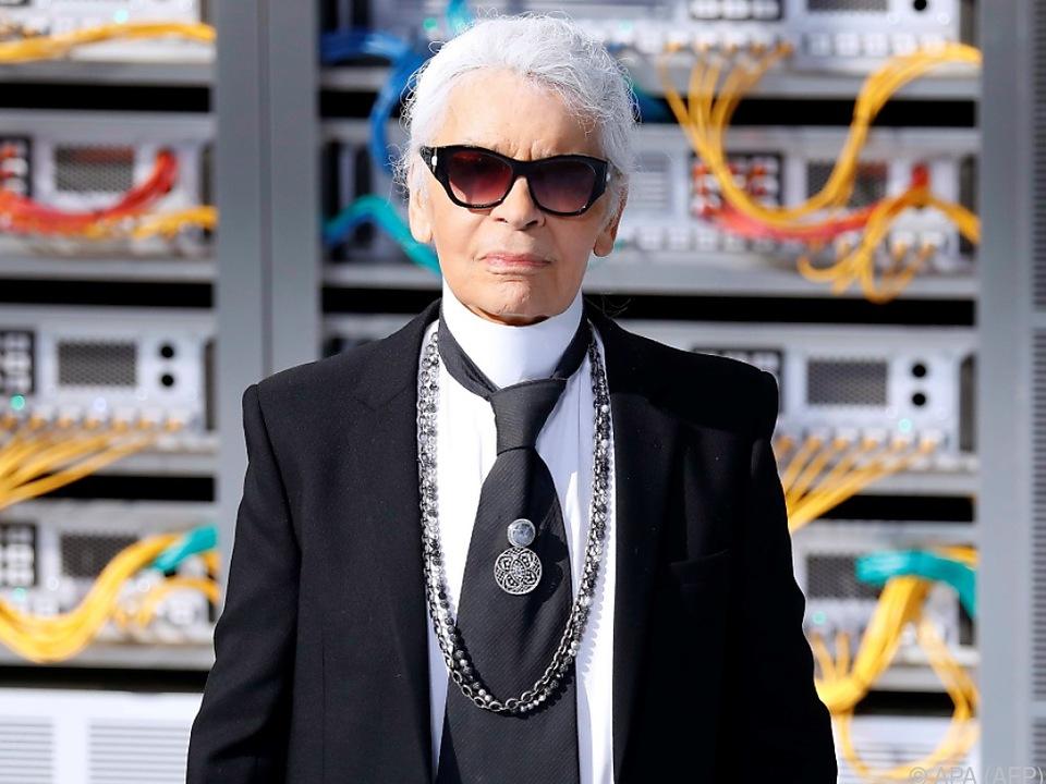 Der Modedesigner ist gestorben