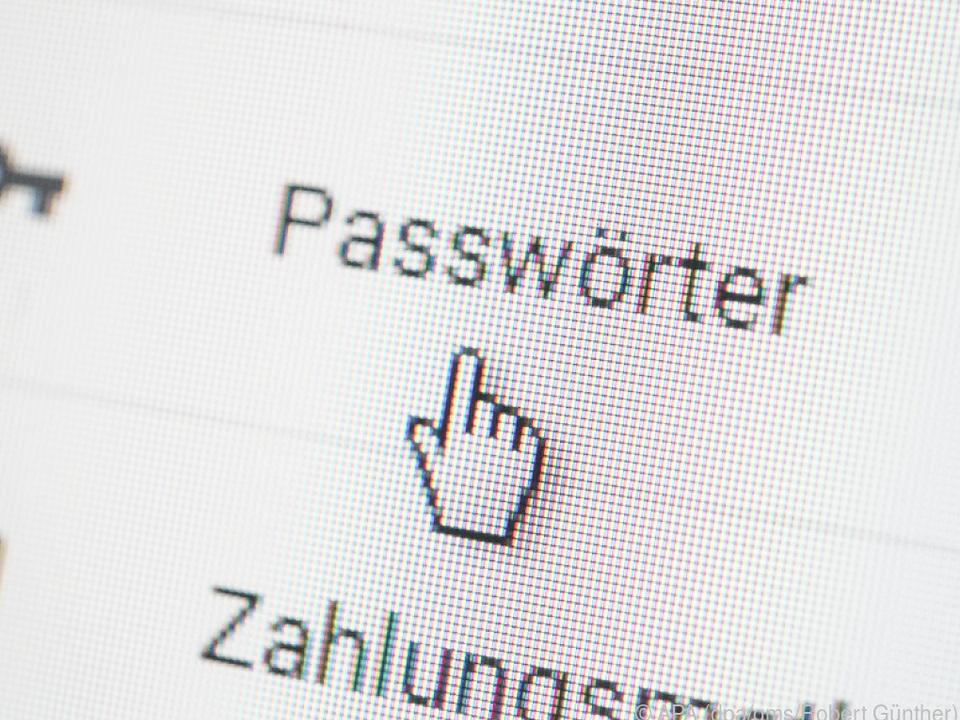 Auch Zugangsdaten zu Online-Accounts können abgeglichen werden