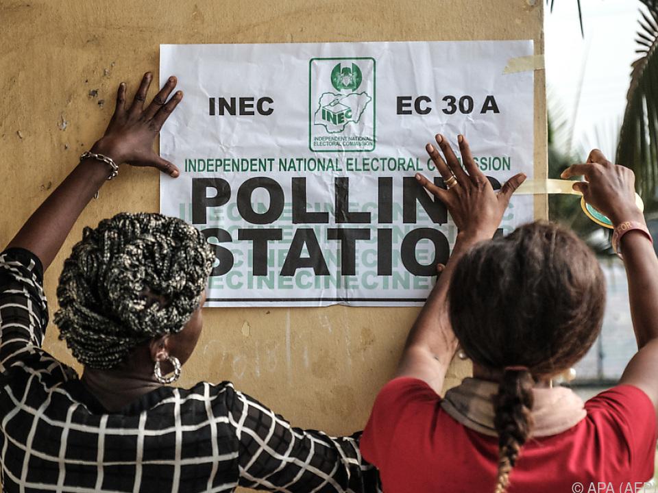 Die Wahlkommission veröffentlicht erste Teilergebnisse