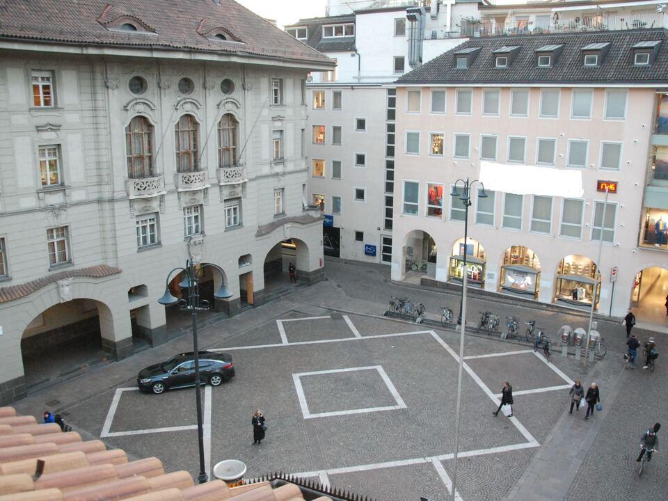 rathaus bozen rathausplatz altstadt bozen sym