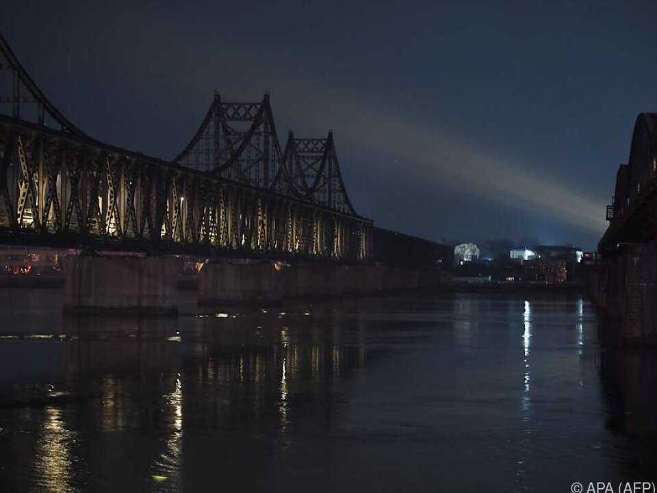 Eisenbahnbrücke zwischen China und Nordkorea in Dandong