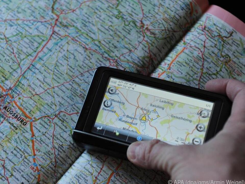 Für Wanderungen im Gelände eignen sich klassische GPS-Handgeräte am besten