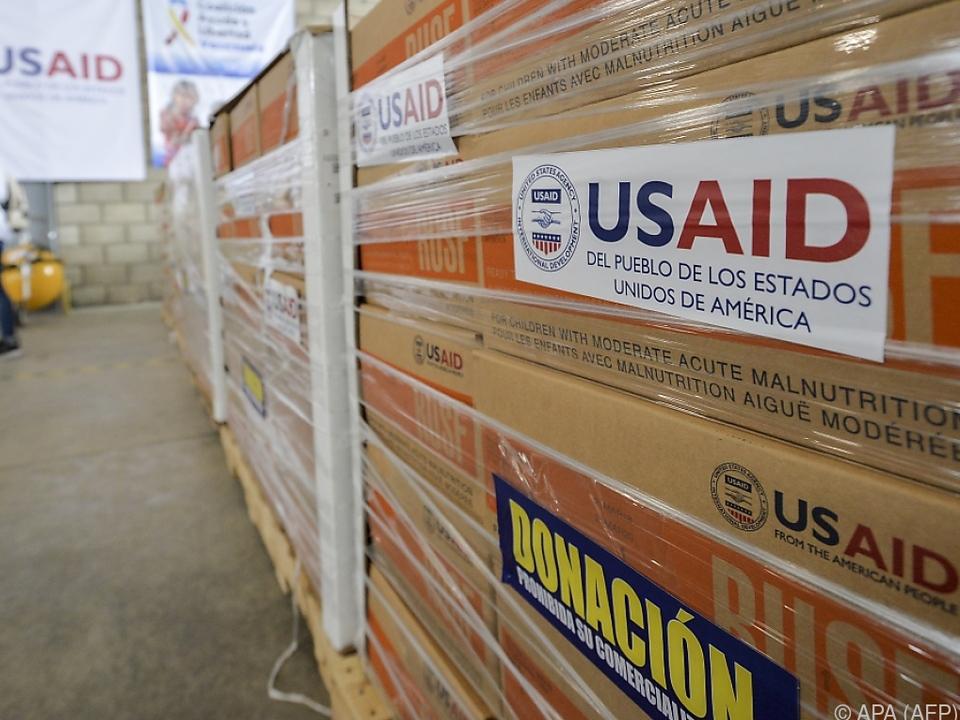 Hilfslieferungen aus den USA sollen den Menschen vor Ort helfen