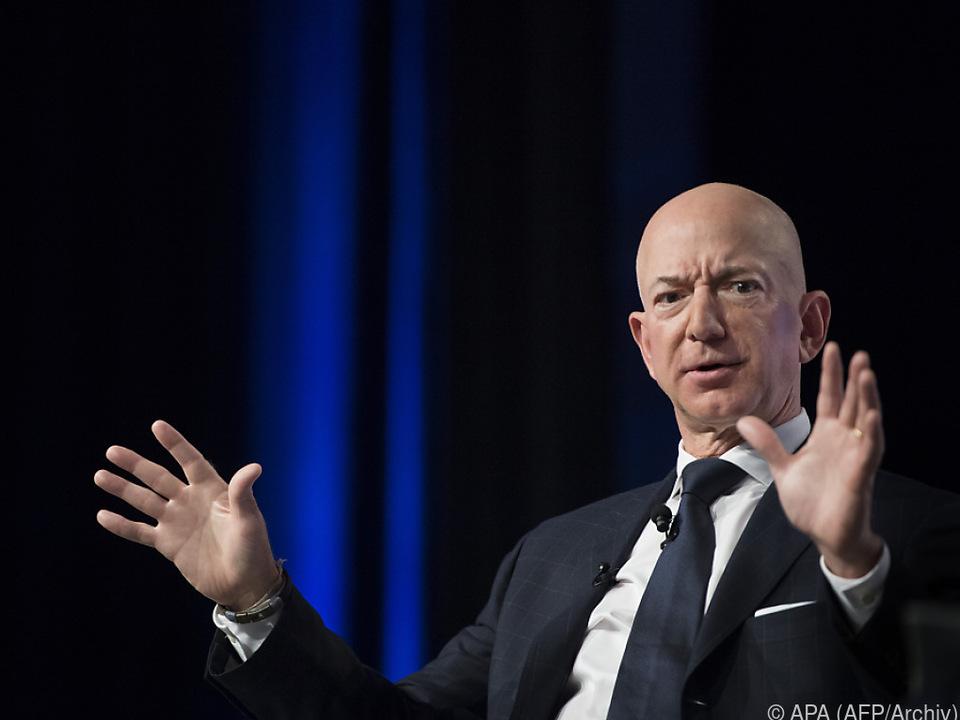Hintergrund der Vorwürfe ist Bezos Trennung von seiner Ehefrau