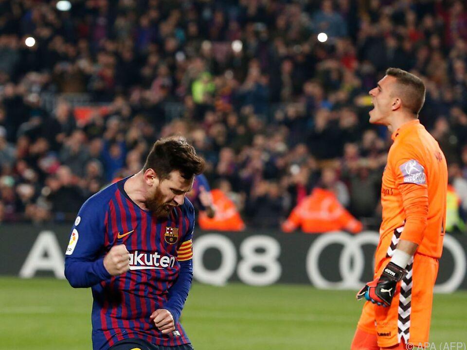Lionel Messi jubelt nach Elfertor gegen Valladolids Jordi Masip