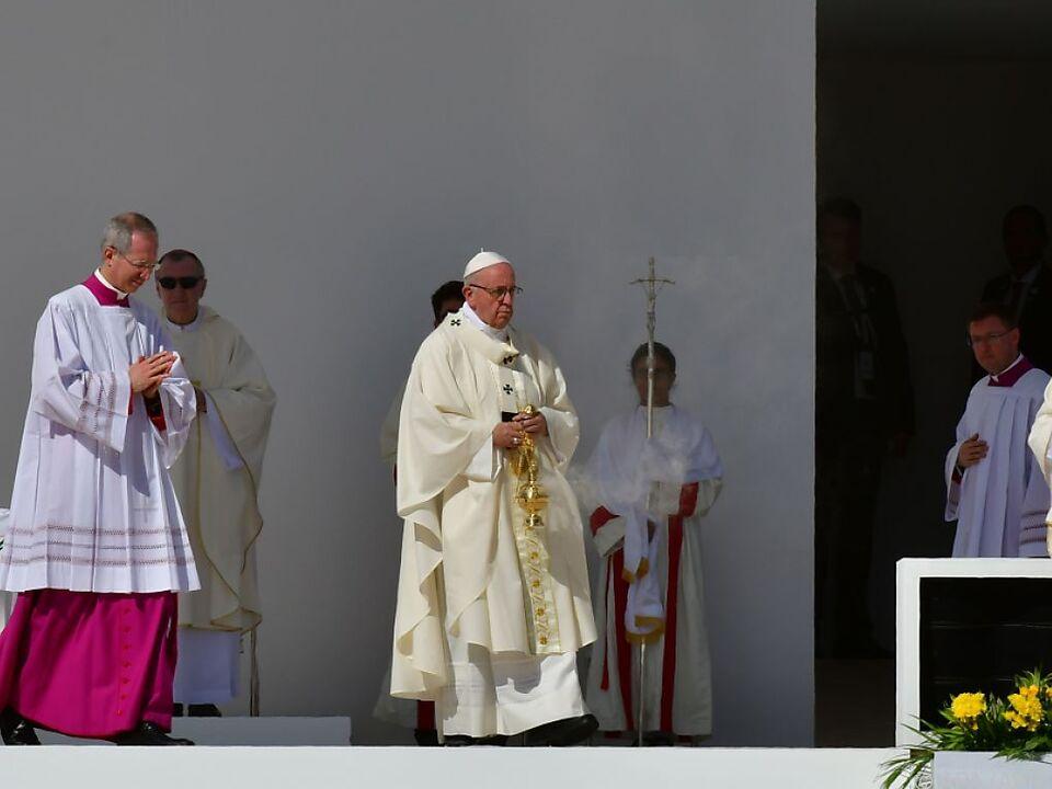 Papst Franziskus räumte die Missstände ein