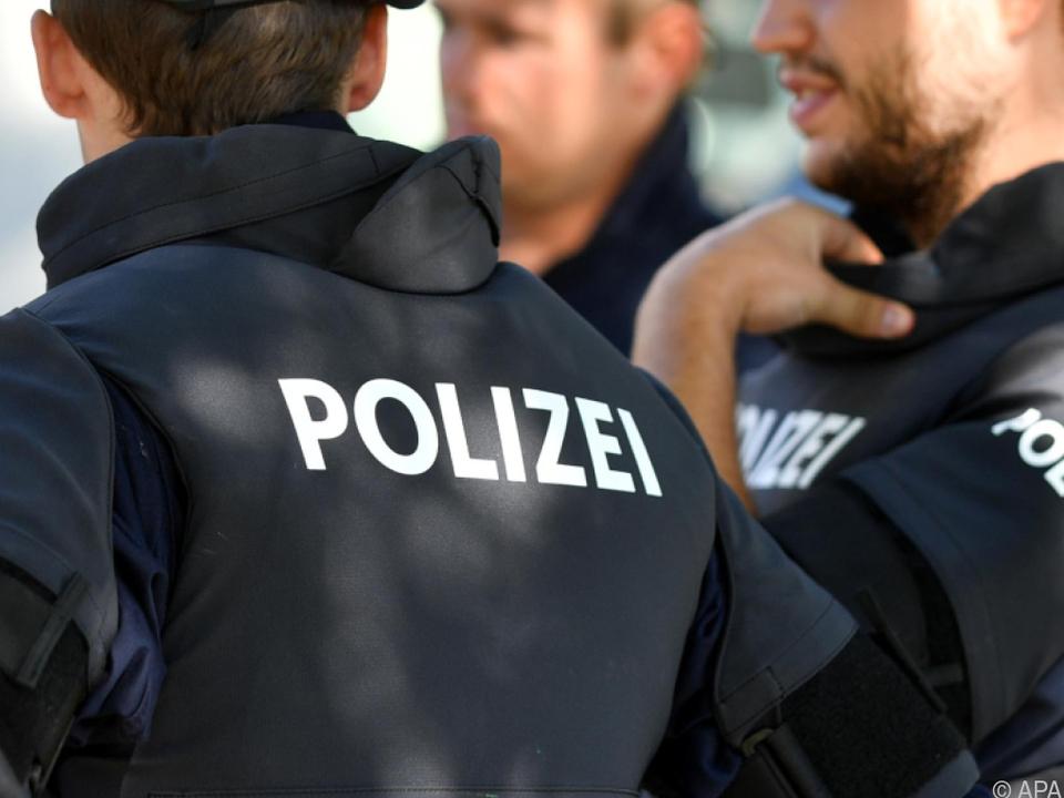 Polizei in \