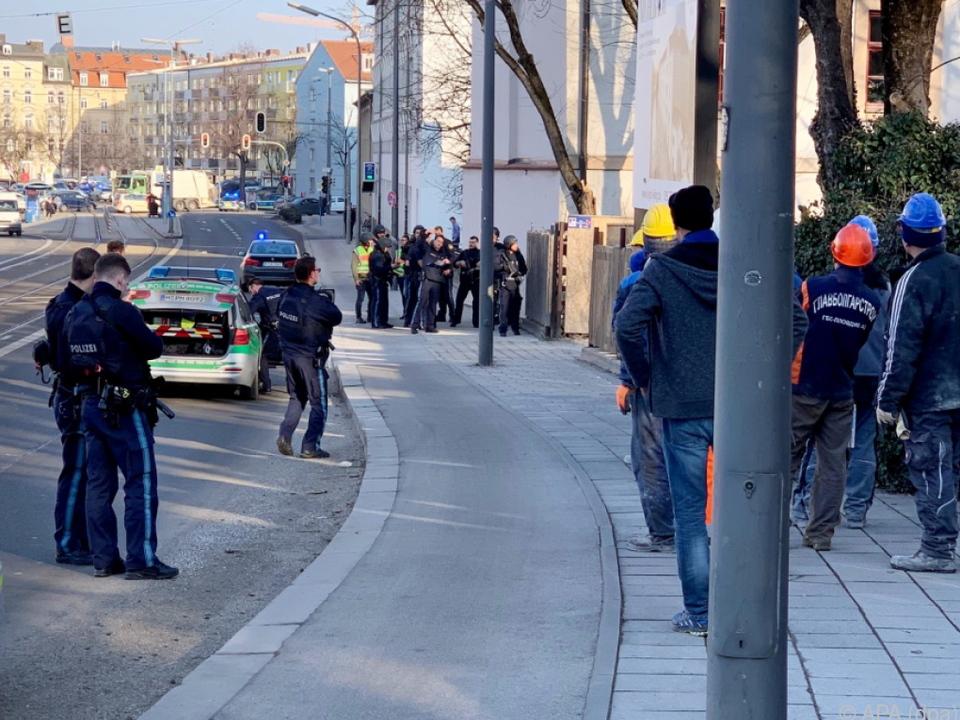Polizei mit Großaufgebot vor Ort