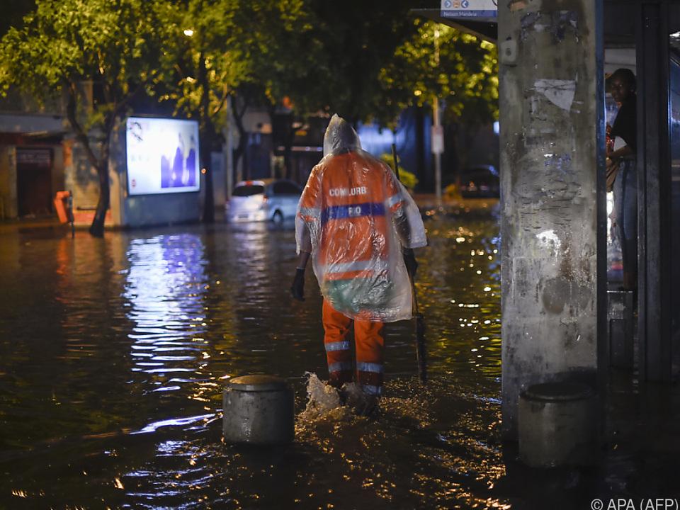 Starke Unwetter sorgen in Brasilien für Überflutungen und Erdrutsche