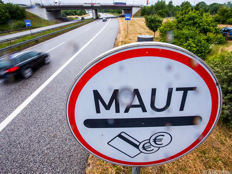 Streit um Pkw-Maut in Deutschland