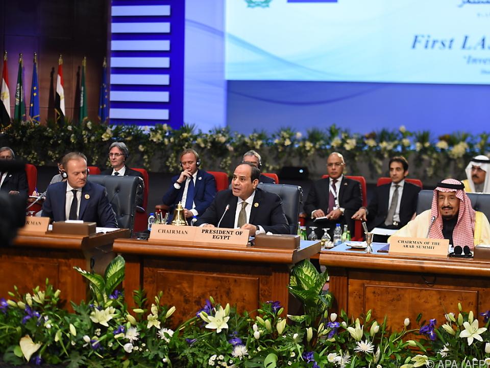 Tusk und Sisi leiten das Treffen gemeinsam
