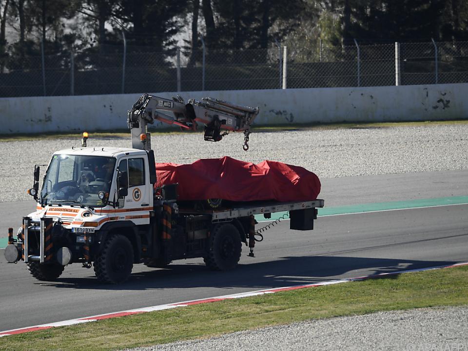 Vettels Auto wurde abgeschleppt