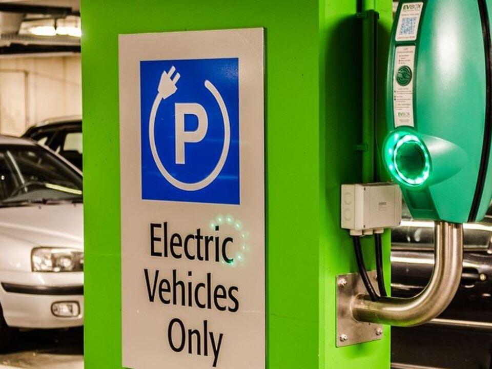 1025636_Etestdays3 E-Tankstelle E-Mobility E-autos