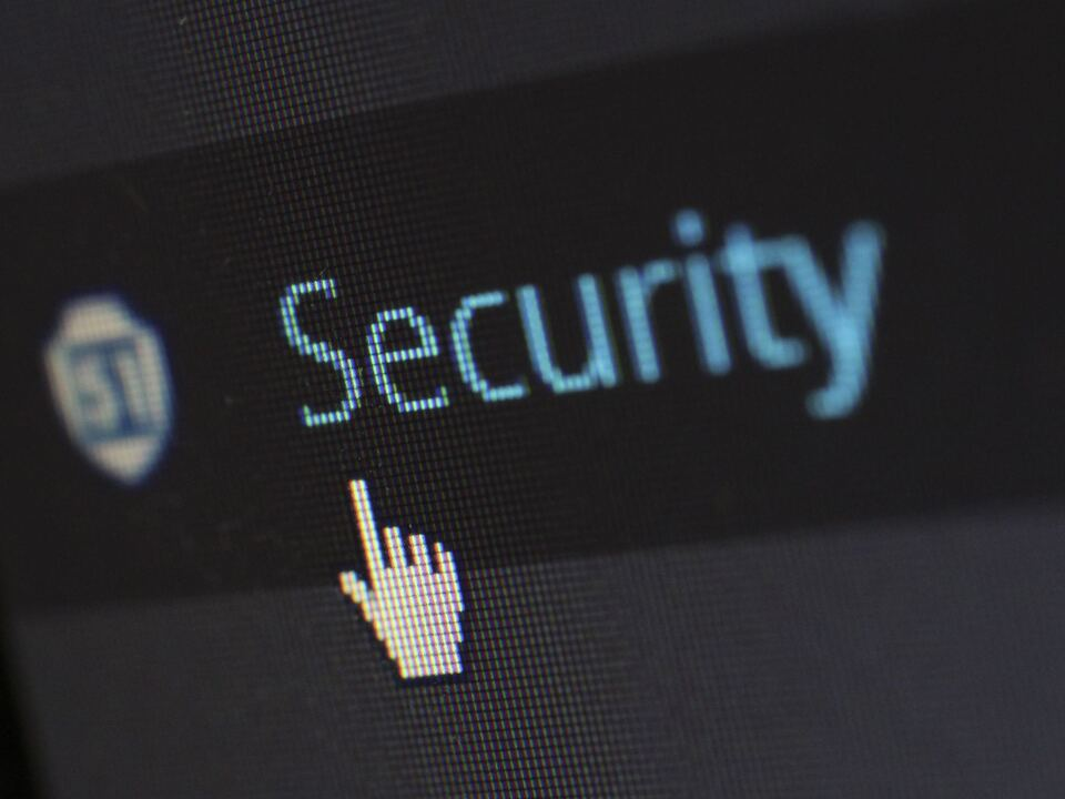 1026949_cyber-security-cybersecurity-device-60504