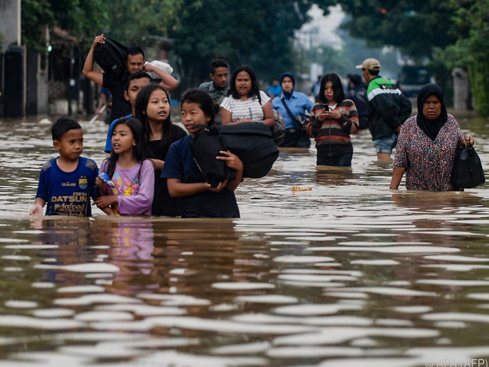 30.000 Menschen sind von den Fluten betroffen
