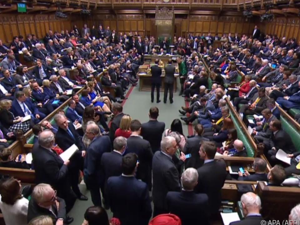 413 Abgeordnete stimmten dafür, 202 dagegen