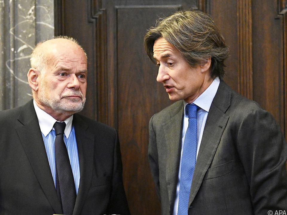 Angeklagter Grasser mit Anwalt Ainedter
