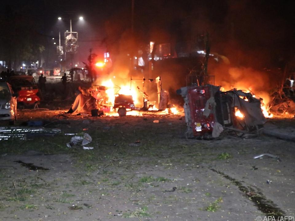Bei dem Autobomben-Anschlag alleine starben mindestens fünf Menschen
