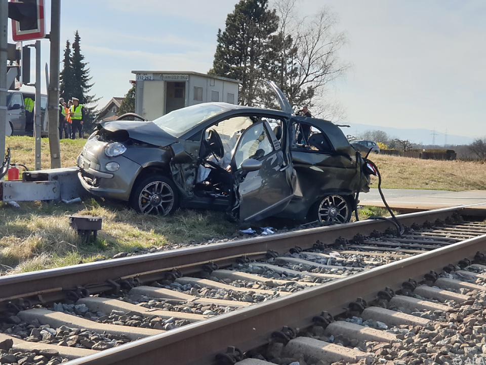 Bei der Kollision mit einem Zug starb ein Mann