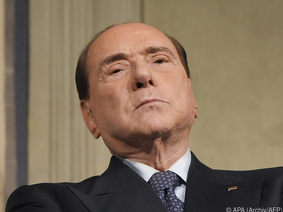 Berlusconi musste Anteile an Bank Mediolanum nicht verkaufen