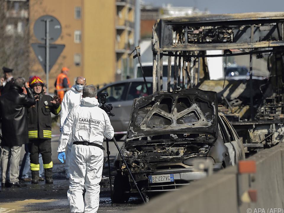 Busfahrer mit senegalesischen Wurzeln steckte Bus in Brand
