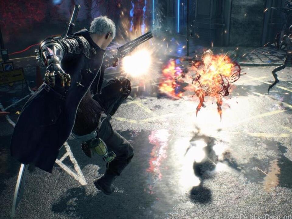 Dämonenjäger Dante heizt Monstern mit Schwert und Pistole ein