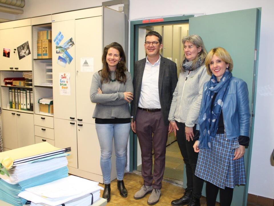 Deeg, Schweigkofler mit Mitarbeiterinnen des Wobi-Archivs