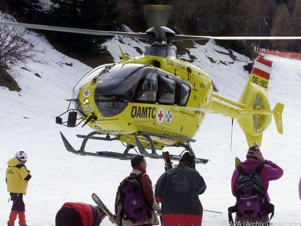 Der Tote wurde mit Hilfe eines Notarzthubschraubers geborgen